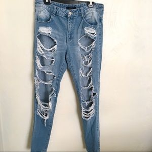 FINAL PRICE 🔥 Forever 21 Ripped Jeans Distressed
